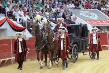 Tourada Real em Elvas - Bastinhas (pai e filho na lide a duo) e Moura Caetano os triunfadores da noite