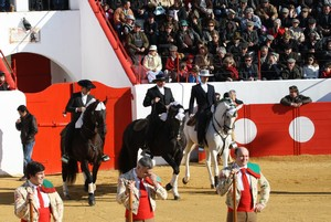 Casa cheia em Mourão marca o inicio da Temporada 2011