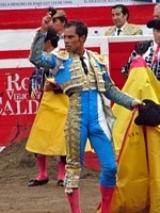 Padilla e Bolívar cortam uma orelha na última corrida