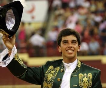 Moura Jr saiu em ombros em Burgos (Espanha)
